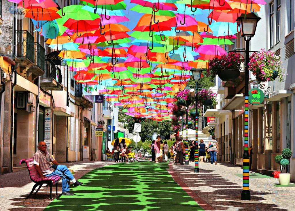 sombrillas_colores